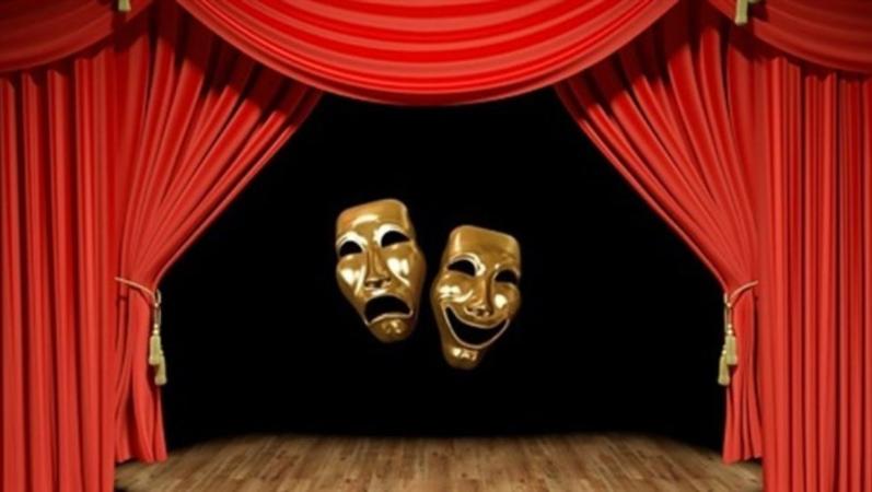 Salonlar kapansa da tiyatro asla bitmez
